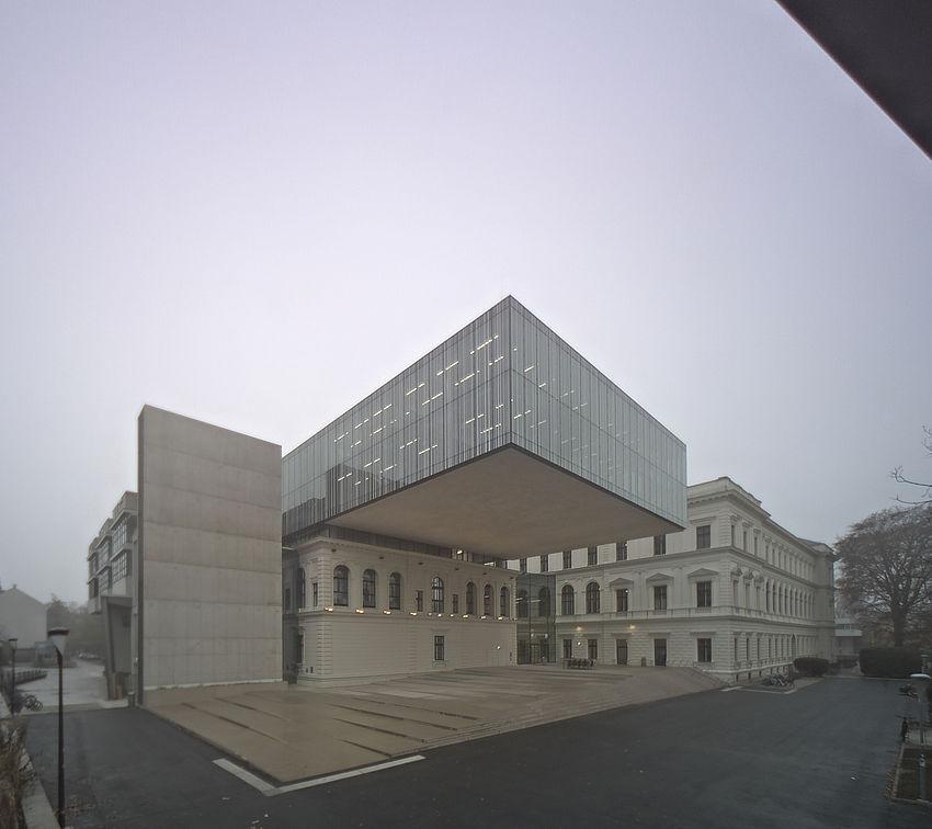 Livebild Baukamera 2 - Webcam 'Gesamtansicht Nordseite' - Baustelle Erweiterung der Bibliothek, Karl-Franzens-Universität Graz (Standbild)