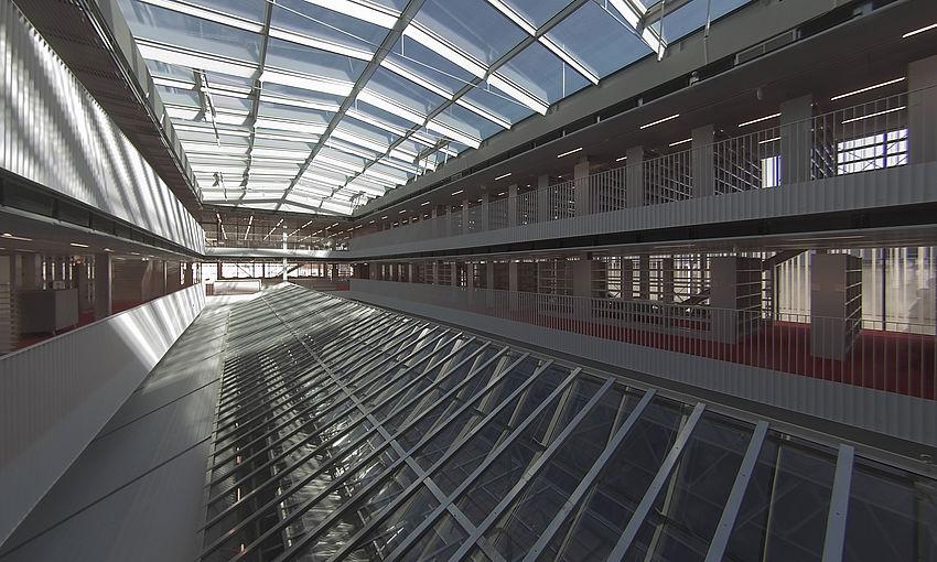 Livebild Baukamera 3 - Webcam 'Historisches Glasdach, zukünftiges Atrium Lesesaal' - Baustelle Erweiterung der Bibliothek, Karl-Franzens-Universität Graz (Standbild)